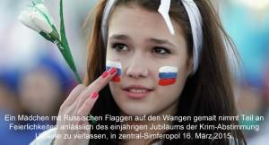 Ein Mädchen mit Russischen Flaggen auf den Wangen